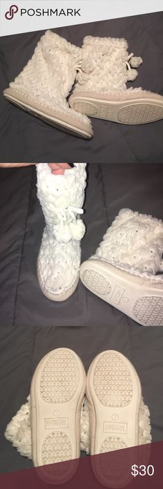 Magellan Outdoors Booties EUC and very cute! Make an offer and bundle up and save!😊💎🍀 Shoes Ankle Boots & Booties