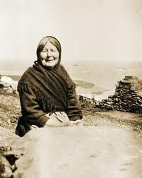 """Irish Women : Peig Sayers (1873–1958) was an Irish author and seanachaí born in Dunquin (Dún Chaoin), County Kerry, Ireland. Seán Ó Súilleabháin, the former archivist for the Irish Folklore Commission, described her as """"one of the greatest woman storytellers of recent times"""".  Why not just call her one of the greatest storytellers of all time, period."""