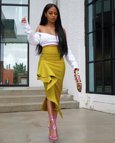 Hanifa official Mandi Skirt - Fall Outfit by London Zhiloh Skirt Outfits, Chic Outfits, Fall Outfits, Style And Grace, My Style, Fall Skirts, Foto E Video, African Fashion, Dress To Impress