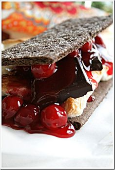 Black Forest S'mores #chocolates #sweet #yummy #delicious #food #chocolaterecipes #choco #chocolate