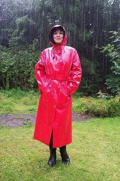 Hooded red mackintosh - my favourite colour                                                                                                                                                                                 Mehr