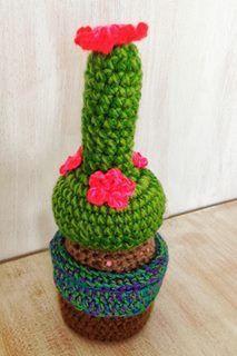 Cactus tejido a mano en crochet $45.000= mide aprox 20 cm