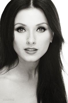 IRINA DVOROVENKO – former principal dancer from American Ballet Theater, Actress for STARZ NETWORK for new TV series Flesh and Bone   http://www.vitalagibalow.com