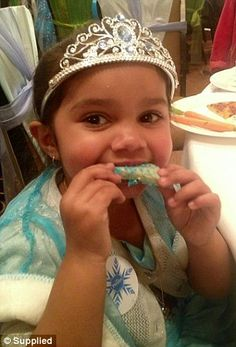 Aboriginal girl racially abused for dressing as Queen Elsa meets her