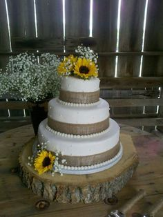 Want this cake with a bow around the wood and burlap