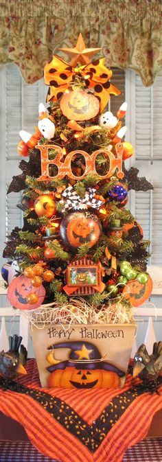 """Happy Halloween!  27"""" Halloween Tree - Pattern by Maxine Thomas painted by Denise Guillen"""