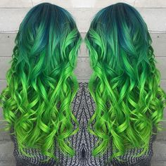 Love this...If I could somehow start with my natural brown cap and then into that deep sea blue and end with the gorgeous green, I'd be sooo happy