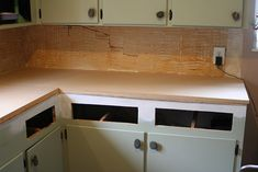Want a new counter? Try this amazing copper countertops tutorial! Cheap Kitchen, Countertops, Design Remodel, Kitchen Remodel, Kitchen Decor, Copper Countertops, Home Diy, Kitchen Renovation, Diy Countertops