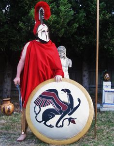 Ringwood based Ancient Hoplitikon are an Ancient Greek re-enactment group who focus on studying, replicating and performing with military and civilian equipment. Ancient Armor, Medieval Armor, Greek Shield, Battle Of Marathon, Elmo, Greek Soldier, Larp, Greek Warrior, Architecture Sketches