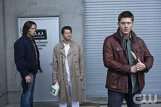 """""""Survival Of The Fittest"""" -- Pictured (L-R): Jared Padalecki as Sam, Misha Collins as Castiel, Jensen Ackles as Dean in SUPERNATURAL on The CW. Photo: Jack Rowand/The CW ©2012 The CW Network. All Rights Reserved."""