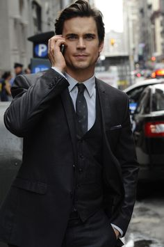 i didn't even know i wanted a guy who could pull off a three piece suit until Neal Caffrey.