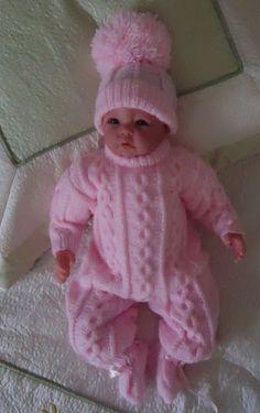 Ideas Crochet Patterns Free Baby Boy Blankets Kids For 2019 - Diy Crafts - hadido Baby Boy Knitting Patterns, Baby Girl Patterns, Afghan Crochet Patterns, Baby Girl Crochet Blanket, Crochet Baby, Baby Doll Clothes, Baby Dolls, Baby Hut, Baby Girl Hats