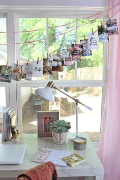 Inspiration garland for the office with no walls for big pin boards #workspace