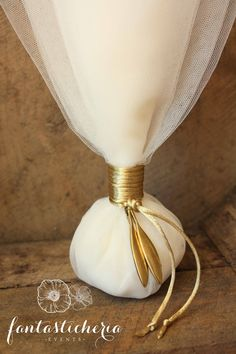 τούλινη με φύλλα ελιάς κωδ.ΜΓ1206 Wedding Wraps, Baby Wedding, Wedding Candy, Chic Wedding, Wedding Details, Wedding Ideas, Homemade Wedding Favors, Wedding Favours, Wedding Gifts