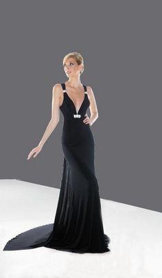 bb755689f680 Padavé čierne spoločenské šaty na ramienka S56 - Svadobný salón Valery