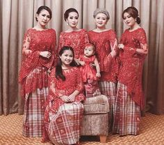Kebaya Lace, Kebaya Brokat, Batik Kebaya, Kebaya Dress, Batik Dress, Kaftan Batik, Traditional Fashion, Traditional Outfits, Dress Brukat