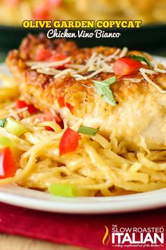 Olive Garden Copycat Chicken Vino Bianco - Copycat Olive Garden Chicken Parmesano Vino Bianco recipe with a creamy Parmesan white wine cream sauce so delicious it may transport you to Italy. Turkey Recipes, Chicken Recipes, Recipe Chicken, Olive Garden Recipes, The Slow Roasted Italian, Great Recipes, Favorite Recipes, Dinner Recipes, Comfort Food
