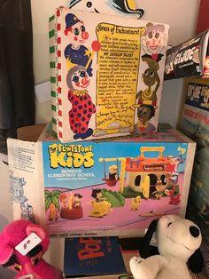 "Found on EstateSales.NET: The Pink Panther Stuffed Doll ~ Snoopy Stuffed Doll ~ The Flintstones Kids Play Set ~ 1940's Effanbee ""Jambo Jiver"" Puppet"