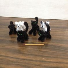 Hello dear friends To battle against the evil forces of Baalatova's enemy and bring back her precious wand, more cats are needed. I trie. Pipe Cleaner Art, Pipe Cleaner Animals, Pipe Cleaners, Cool Diy Projects, Diy Crafts For Kids, Fun Crafts, Arts And Crafts, Teddy Bear Crafts, Diy Teddy Bear