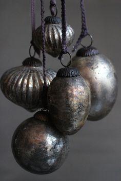 antiqued baubles