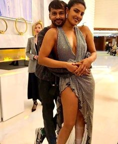 PC's after-party dress is simply jaw-dropping Tamil Actress, Bollywood Actress, Priyanka Chopra Hot, Anushka Sharma, Shraddha Kapoor, Actress Photos, Business Fashion, Indian Beauty, Indian Actresses