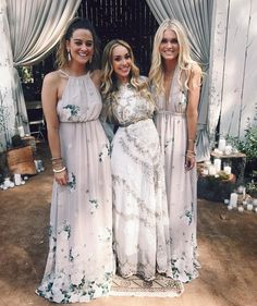 Find the best bridesmaid dresses for the whole bridal party with the Shop by Color bridesmaid dresses at Show Me Your Mumu. With stunning shades & trendy tones, you'll find favorites for all, from navy to blush to red! Bohemian Bridesmaid, Wedding Bridesmaids, Bridesmaid Dresses, Wedding Cake Images, Cool Wedding Cakes, Fantasy Wedding, Dream Wedding, Wedding Stuff, Wedding Guest Gowns