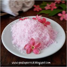 10 DIY Bath Salts To Relax And Rejuvenate Your Body