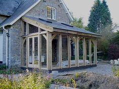 Une #véranda en #bois ! #original #construction #travaux http://www.m-habitat.fr/veranda/styles-de-verandas/les-verandas-en-bois-291_A
