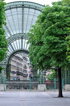 Les Halles, Paris I love this underground mall and park! It began as the Paris farmers market... In the Marais!