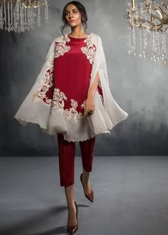 Maroon Cape – Saira Shakira Pakistani Formal Dresses, Pakistani Dress Design, Pakistani Outfits, Indian Dresses, Indian Outfits, Pakistani Bridal, Indian Clothes, Stylish Dress Designs, Stylish Dresses