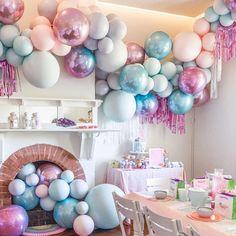 Bright blue and purple ballon installation. via – BALLONS Balloon Backdrop, Balloon Decorations Party, Balloon Wall, Balloon Garland, Birthday Party Decorations, Balloon Ideas, Unicorn Party, Unicorn Birthday, Birthday Fun