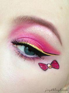 Sailor Chibi Moon inspired make up by http://justblushme.blogspot.de/2013/01/sailor-chibi-moon-fur-talasia.html