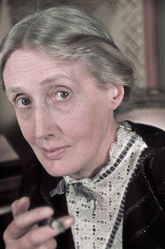 Virginia Woolf am Tavistock Square in London, 1939
