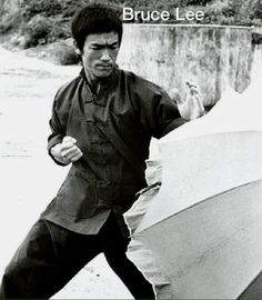 Behind the scenes of The way of the dragon Bruce Lee Wing Chun, Bruce Lee Art, Bruce Lee Martial Arts, Bruce Lee Photos, Way Of The Dragon, Enter The Dragon, Little Dragon, Marshal Arts, Indian Yoga