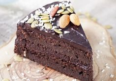 A delicious gluten free cake that is packed with nutrients and vegetables? Try this Chocolate Beetroot Cake for a healthy twist. Chocolate Avocado Cake, Dairy Free Chocolate Cake, Delicious Chocolate, Vegan Chocolate, Flourless Chocolate, Chocolate Cakes, Decadent Chocolate, Cakes To Make, How To Make Cake