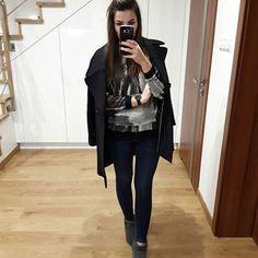 Dobra...wyjęłam emu ale po dzisiejszym dniu ( u mnie jeden stopień brr!) mam zamiar je schować głęboko do szafy. 😁 swoją drogą zapraszam Was na bloga, tam moja wiosenna lista rzeczy do kupienia 😁  Bluza @erdesz.handmade #goodmorning #look #lookofday #lotd #outfit #outfitoftheday #ootd #fashion #fashiondiary #style #mystyle #styleoftheday #fashionblog #outfitpost #outfitstyle #polishgirl #fashionist #fashiongram #fashiongirl #fashiondaily #fashionpost #fashionoftheday #fashionlover…