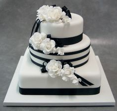 Cake & Icing Centre - Black and White #Cakesperation