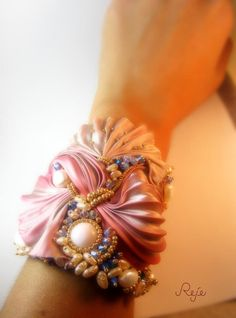 Shibori silk bracelet www.rejesoutache.com https://www.facebook.com/rejegioielliinsoutache https://www.etsy.com/shop/Rejesoutache?ref=hdr