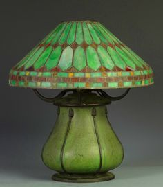Illuminating Lamps 유 Grueby Faience Company - Table Lamp. Pottery Decorated by Edith R