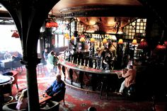 Inside the Warrington Hotel - I love this pub in the summer time - great place to grab a glass of white wine and do some writing.