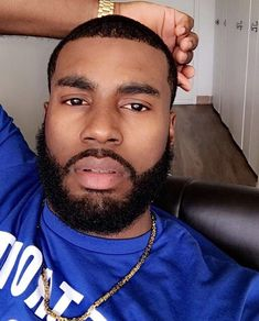 Sharing photos of black men to combat the erasure in the beard movement. Fine Black Men, Handsome Black Men, Fine Men, Handsome Man, Cute Black Guys, Gorgeous Black Men, Beautiful Men, Black Men Beards, Chocolate Men