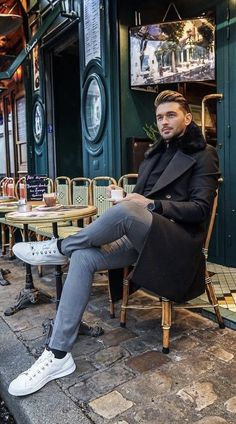 Comfy Winter Fashion Outfits for Men in 2019 Baby and kids fashion is actually so enjoyable! Salsa, in the same way as any other sort of dancing, is a physically demanding activity, so it's impor… Winter Mode Outfits, Winter Fashion Outfits, Fashion Clothes, Sport Fashion, Trendy Fashion, Mens Fashion, Fashion Black, Fashion Styles, Fashion Photo