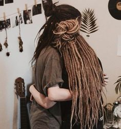 sharing the love of dreads Dread Braids, Dreadlocks Girl, Pelo Rasta, Rasta Hair, Dreadlock Hairstyles, Messy Hairstyles, Beautiful Dreadlocks, Dreads Styles, Dreadlock Styles