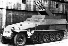 A SdKfz with Drilling triple barreled anti aircraft gun mount Luftwaffe, Armored Fighting Vehicle, Military Modelling, Ww2 Tanks, Big Guns, Military Weapons, German Army, Armored Vehicles, War Machine