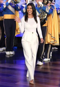 Kourtney Kardashian Just Wore the Best Statement Trousers Ev.- Kourtney Kardashian Just Wore the Best Statement Trousers Ever Kourtney Kardashian, Kardashian Style, Kardashian Fashion, Kardashian Jenner, Celebrity Casual Outfits, Celebrity Style Guide, Celebrity Look, Fashion Models, Star Fashion