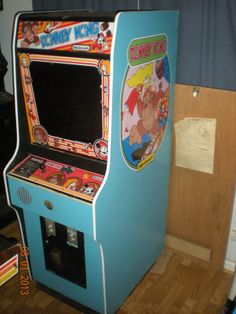 DONKEY KONG Original Nintendo Arcade Machine Video game 80's Classic Retro Coin operated Mrs. Pacman