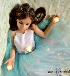 I know a million little girl's right now who would LOVE to have a light up princess dress. Hello, ultimate Frozen gown!