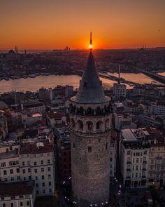 Galata Tower at sunset by Halit Bilen. (via Instagram - bildrone) #turkey #türkiye #istanbul #beyoğlu #karaköy #galata #galatatower #galatakulesi #atatürkbridge #atatürkköprüsü #haliçmetrobridge #haliçmetroköprüsü #bosphorus #boğaz #sunset #günbatımı #travel #trip #journey #holiday