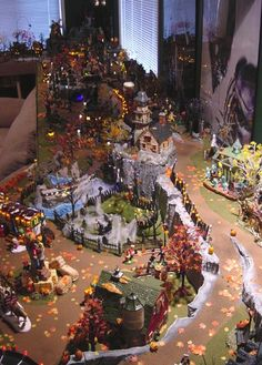 c1355f8aa7d3013e856dc83b602b22e1--halloween-village-display-halloween-town.jpg (400×558)