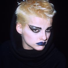 Let's Talk About Those Glittering Punk Cat-Eyes on the Anthony Vaccarello Runw. - Let's Talk About Those Glittering Punk Cat-Eyes on the Anthony Vaccarello Runway – People – # - Glam Rock Makeup, Punk Makeup, 80s Makeup, Hair Makeup, Goth Eye Makeup, Makeup Eyes, Beauty Makeup, Nina Hagen, Maquillage Punk Rock